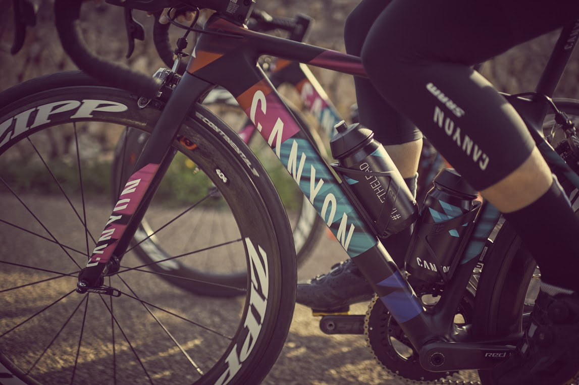 canyon-sram-team-joins-wahoo-fitness-kickr-snap-trainer